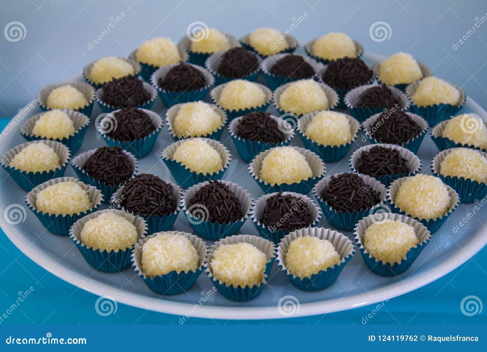 Brasilianisches Trüffel-Bonbon brigadeiro der süßen Schokolade