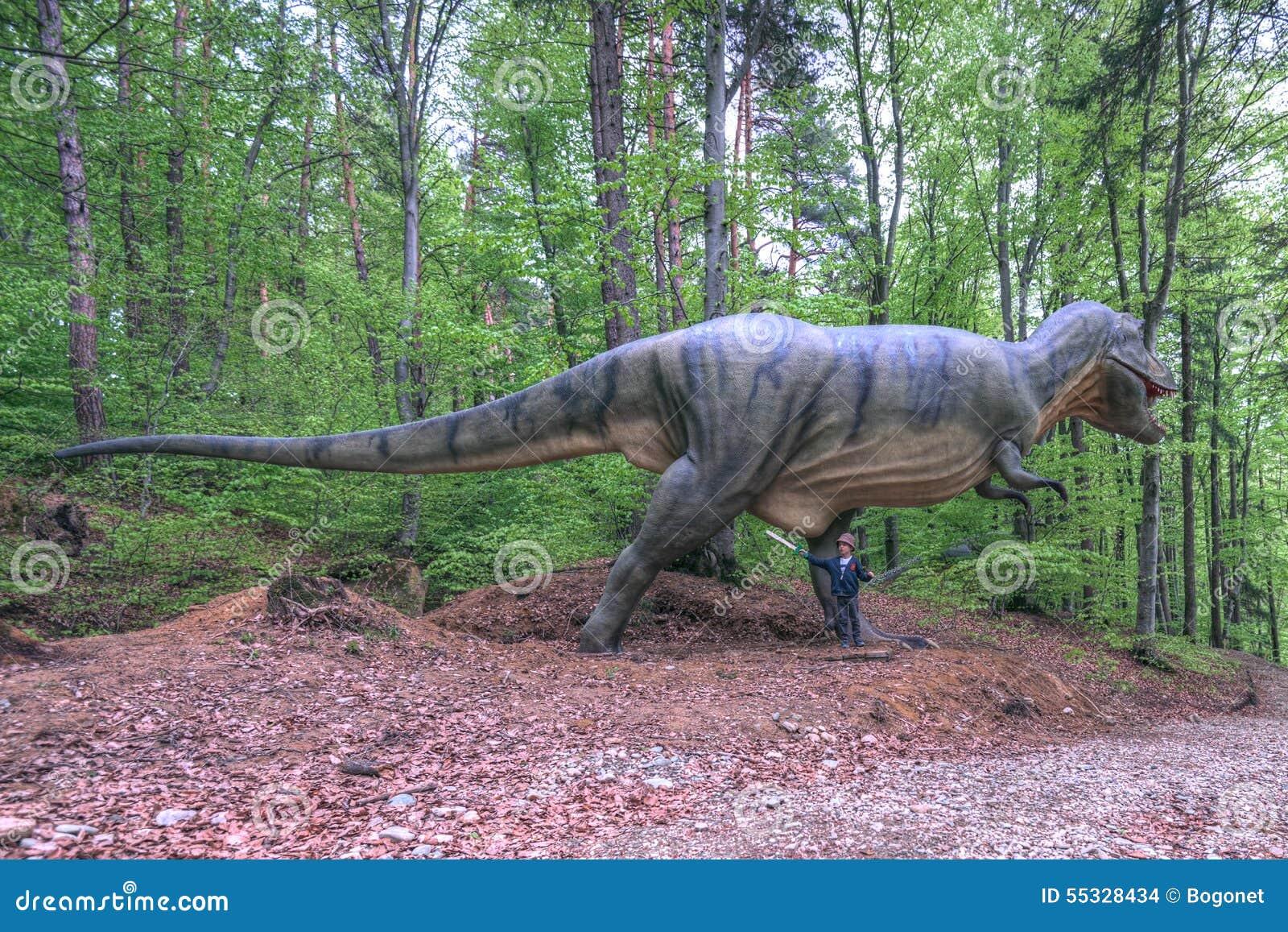 Brasov Rumania Junio De 2015 Dinosaurios Real Clasificados En Rasnov Dino Imagen De Archivo Editorial Imagen De Junio Brasov 55328434 Si ese hubiese sido el caso, ¿habría dinosaurios hoy día? dreamstime