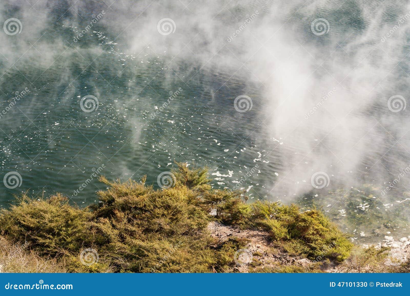 Braten von Pan Lake in Waimangu