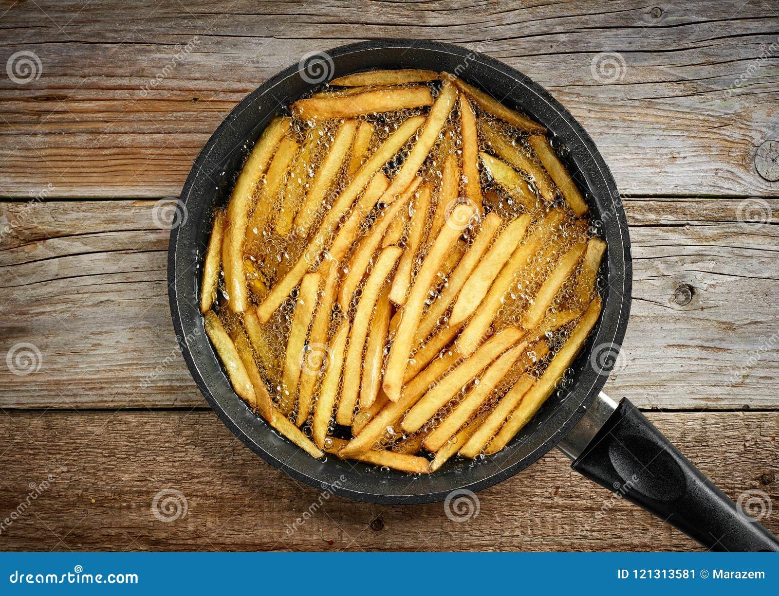 Braten von Pommes-Frites