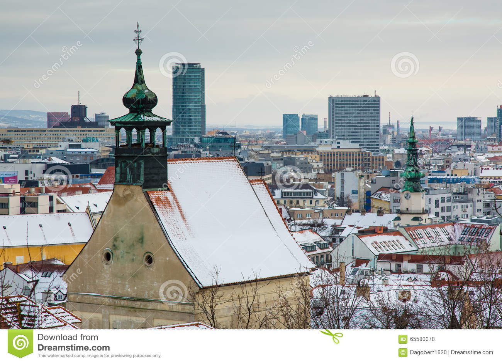 Bratislava, Eslováquia - 24 de janeiro de 2016: Vista da cidade