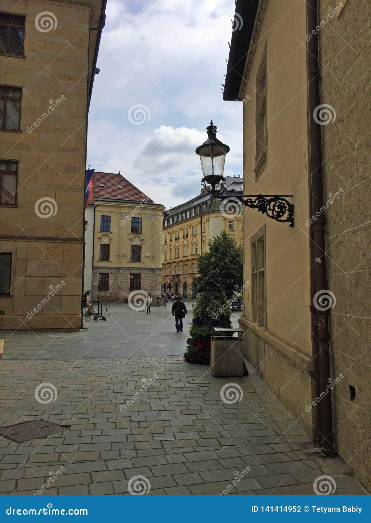 Bratislava, Eslovaquia - viejo cuadrado del ayuntamiento