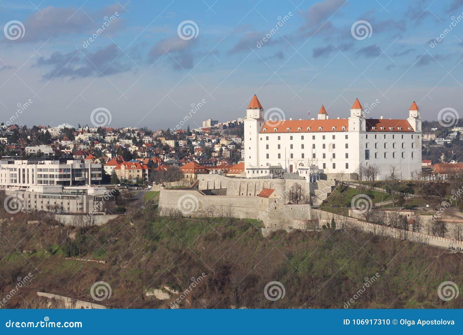 Bratislava kasztel w świetle słonecznym, Sistani