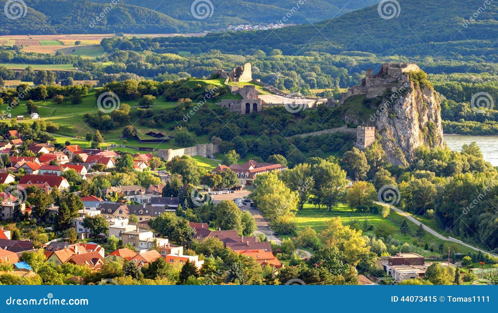 Bratislava - ruina del castillo Devin, Eslovaquia