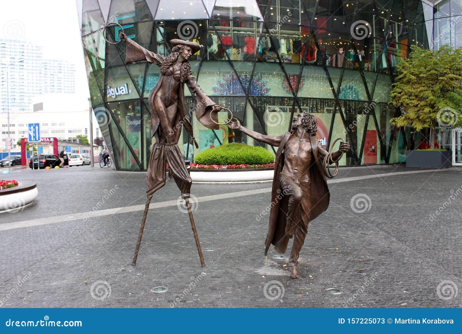 Colin Spofforth sculptures in Eurovea
