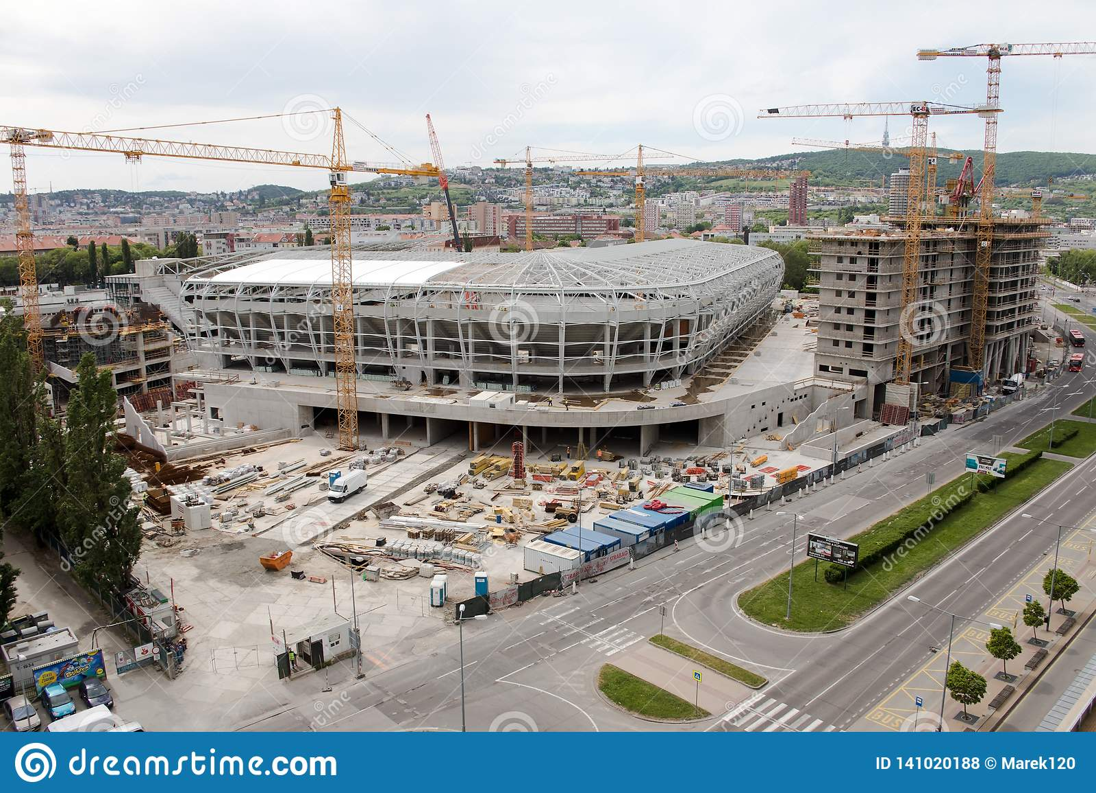 Bratislava, Slovaquie - 1er mai 2018 - établir un nouveau stade de football
