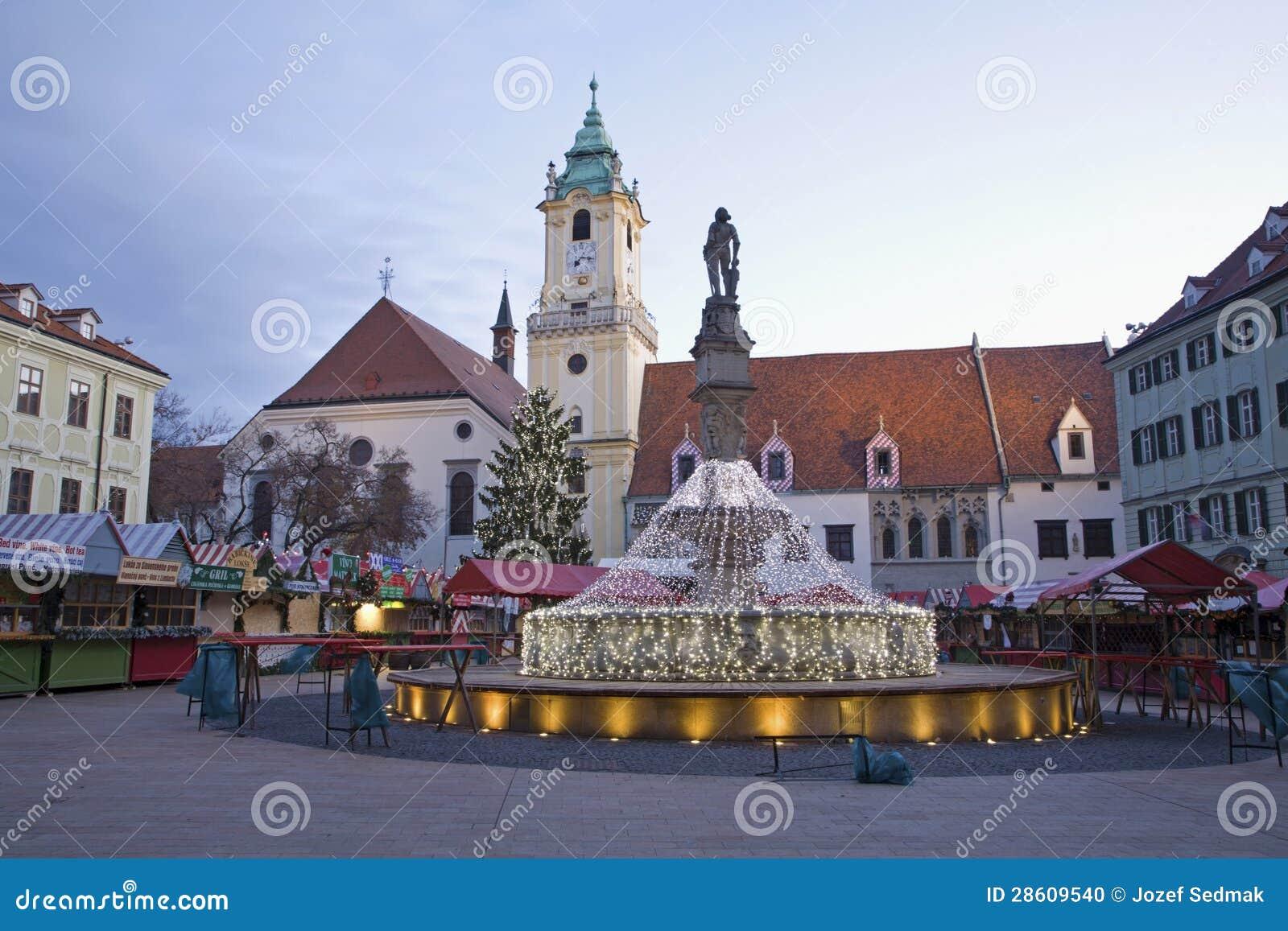Weihnachtsmarkt Morgen.Bratislava Weihnachtsmarkt Auf Dem Hauptplatz Im Morgen