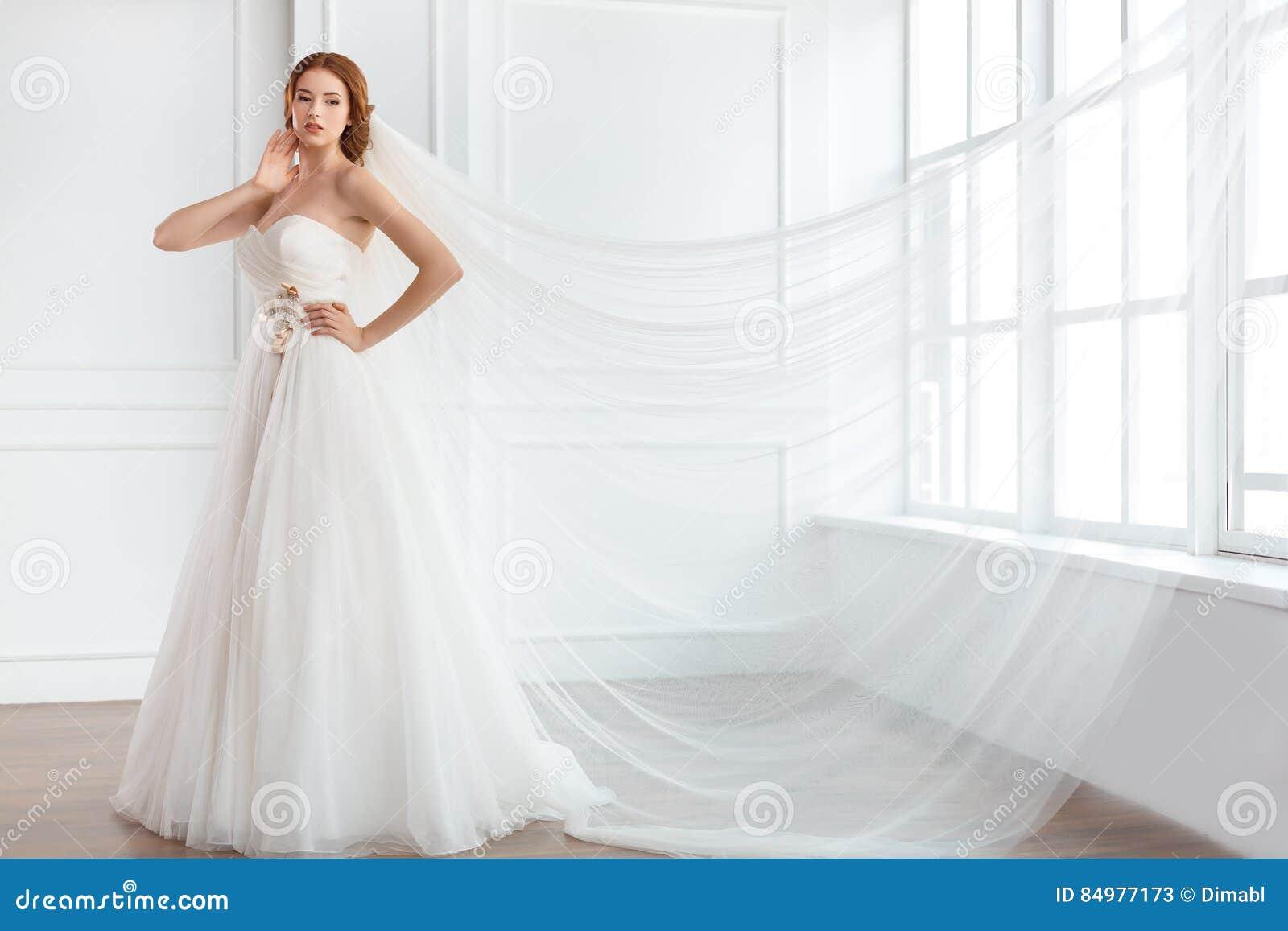 Schön Millionen Dollar Hochzeitskleid Bilder - Brautkleider Ideen ...
