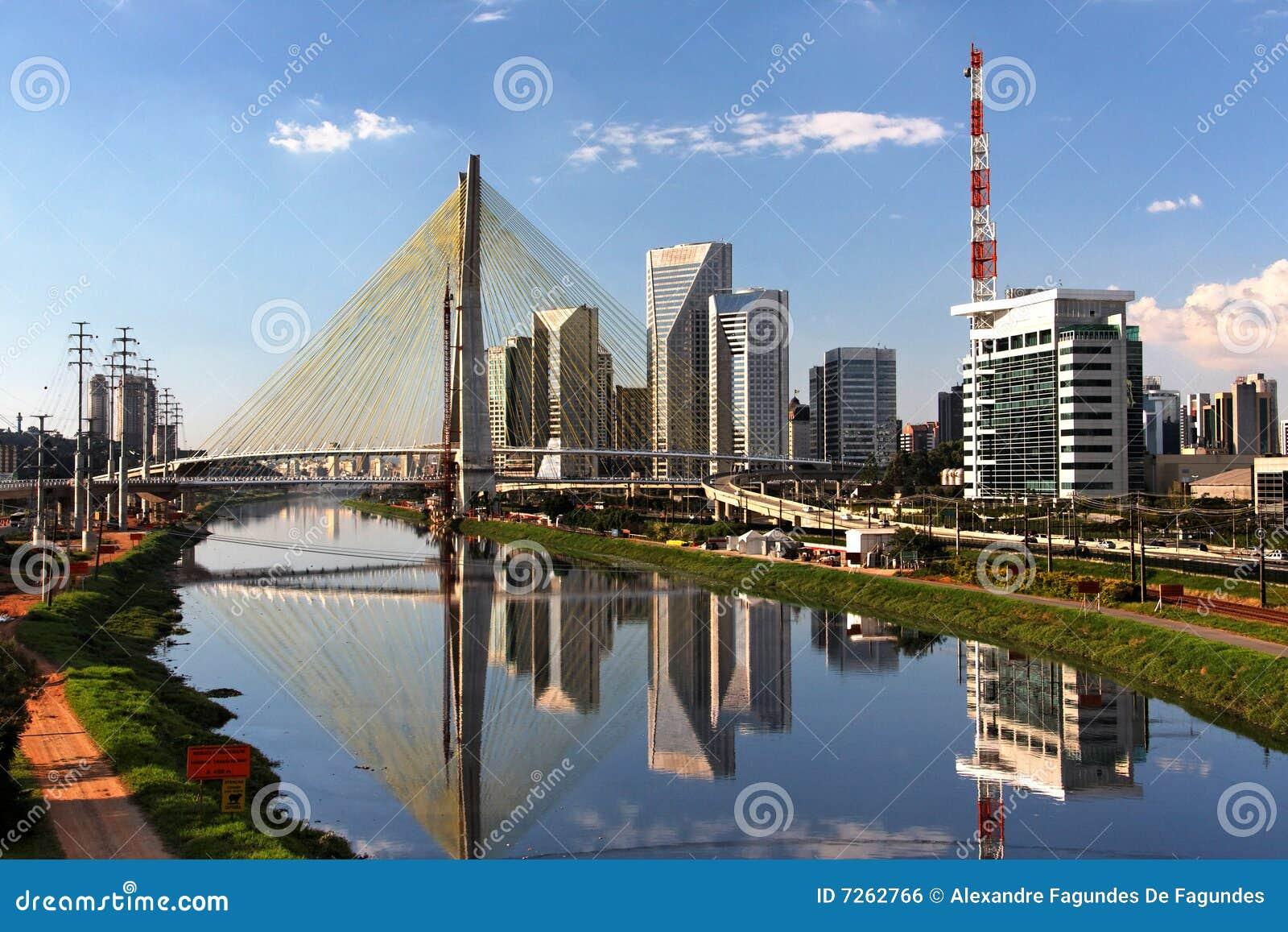 Brazil bridżowy Paulo pinheiros rzeki sao
