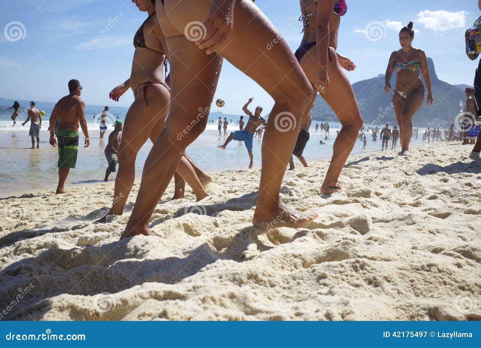 Mujeres brasileras und Bikini
