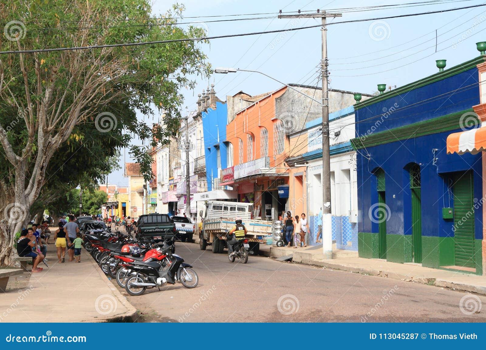 Brazylia, amazonki rzeka: Ruchliwie zakupy ulica w à bidos