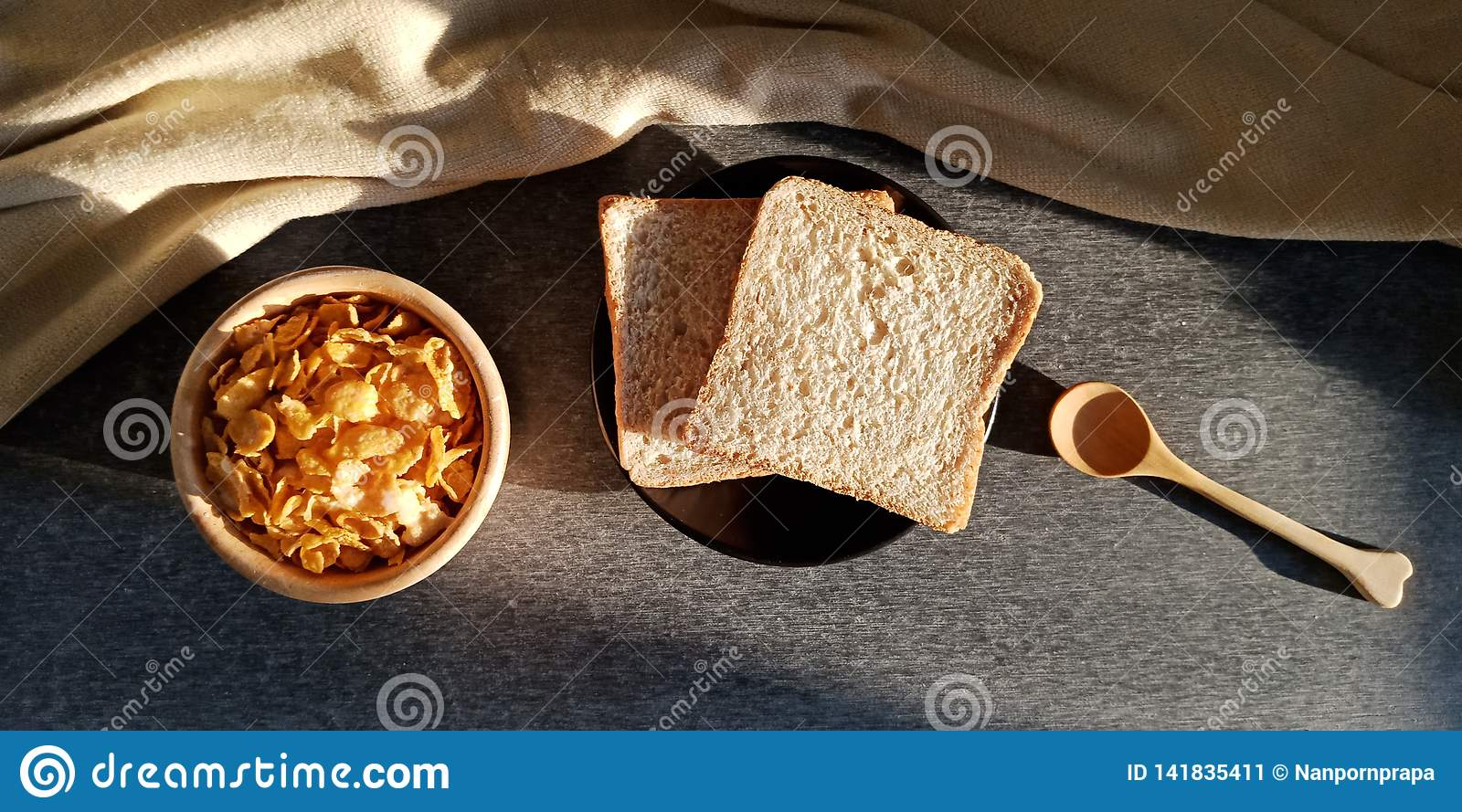 Breakfast : bread and cereal for the morning