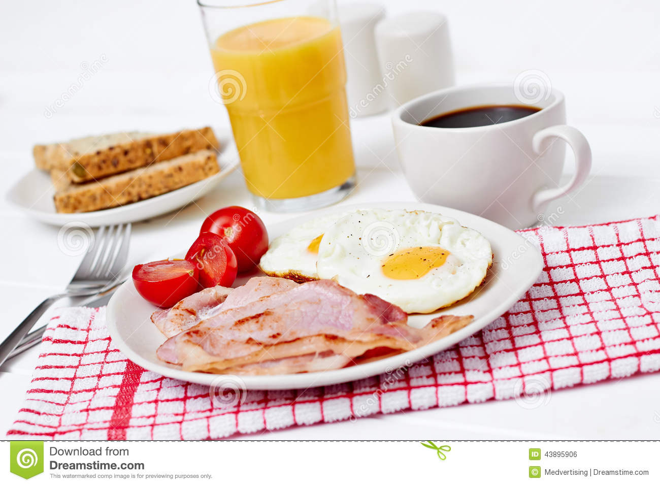 Breakfast With Fried Eggs And Bacon Stock Photo - Image: 43895906