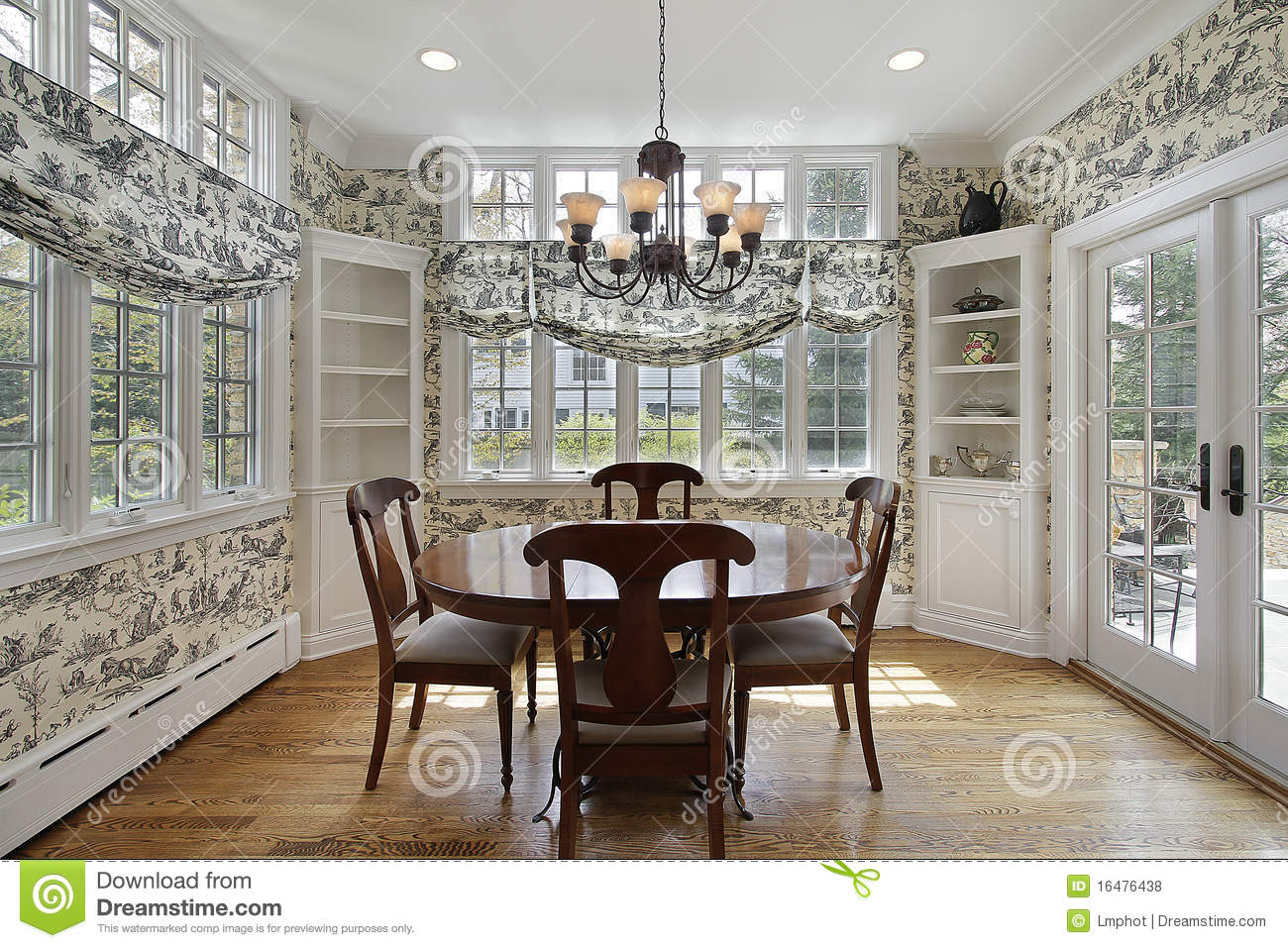 Breakfast Room With Wall Of Windows Royalty Free Stock