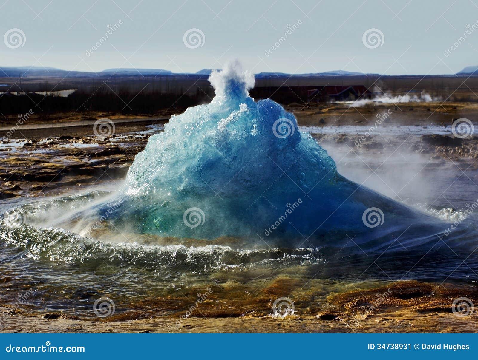 https://thumbs.dreamstime.com/z/breaking-free-strokkur-erupting-geysir-iceland-showing-moment-geothermal-steam-burst-bubble-geyser-one-34738931.jpg