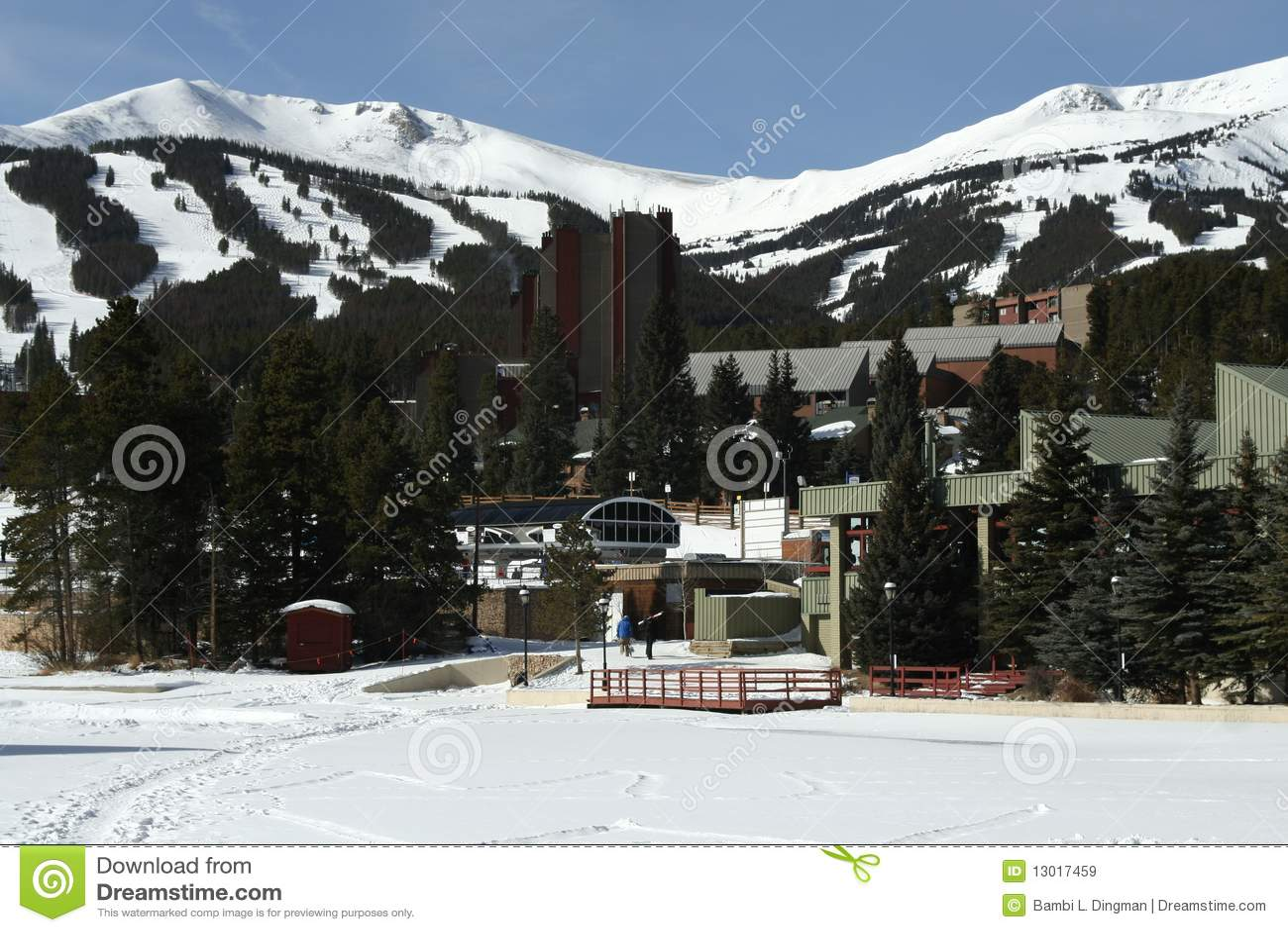 Breckenridge手段滑雪
