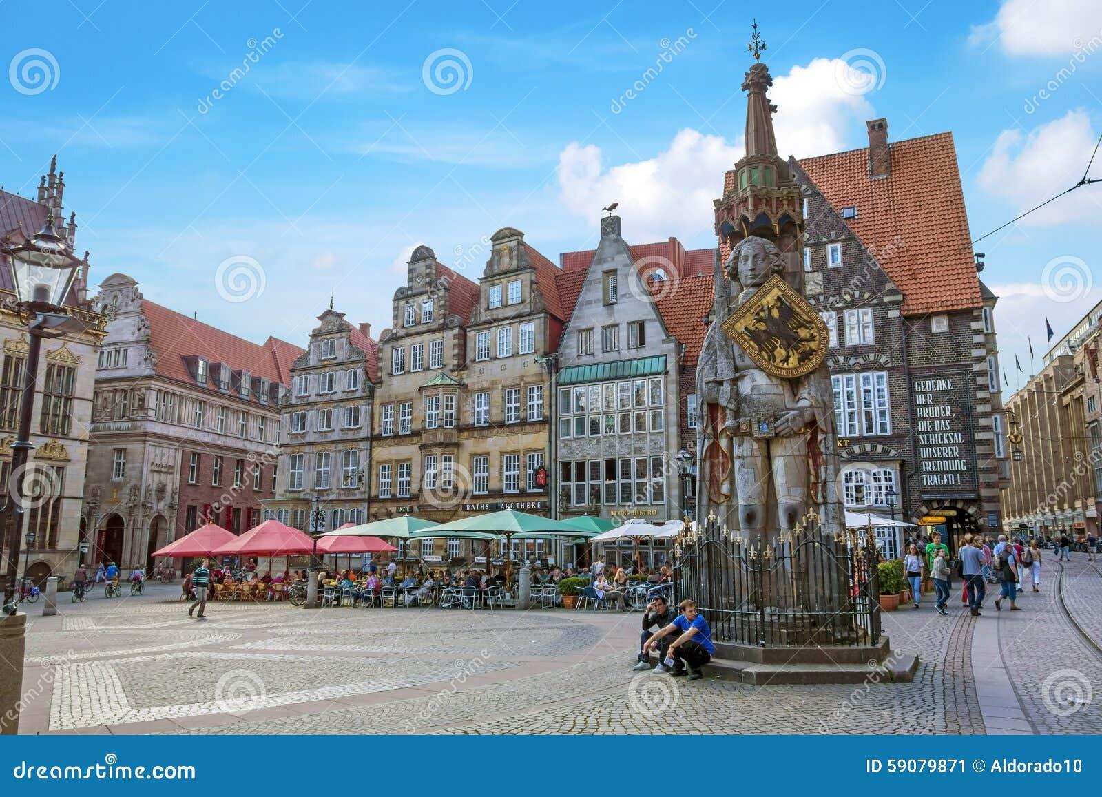 bremen markt alte stadt mit roland statue redaktionelles foto bild von stadt geschichte. Black Bedroom Furniture Sets. Home Design Ideas