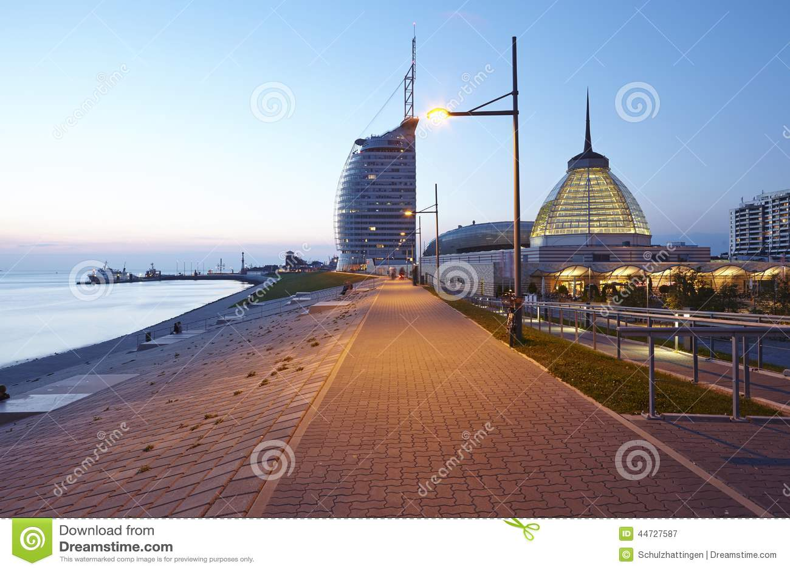 Bremerhaven (Alemanha) - passeio à beira mar na noite