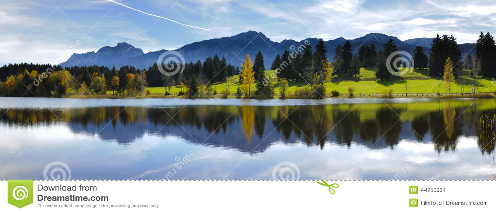 Brett panoramalandskap i Bayern