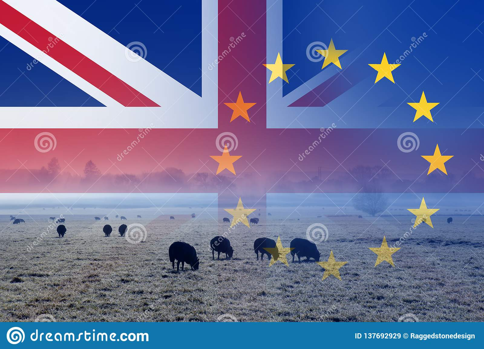 Brexit概念、英国乡下有绵羊的在一个领域与英国国旗和E 在上面分层堆积的U旗子