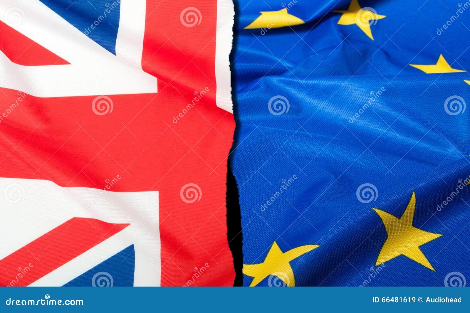 Brexit - Gescheiden Vlaggen van Europese Unie en het Verenigd Koninkrijk