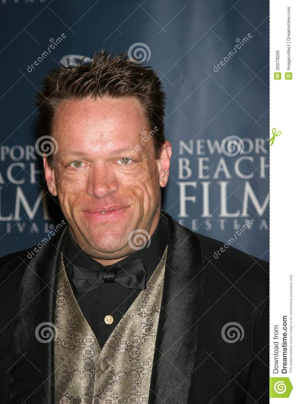 brian thompson height