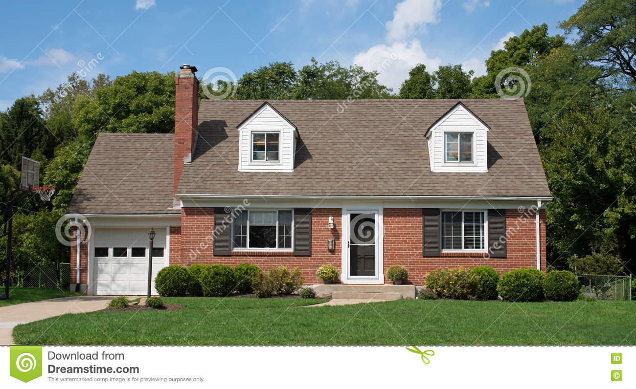 Brick cape cod house stock photo image of chain cape for Cod homes