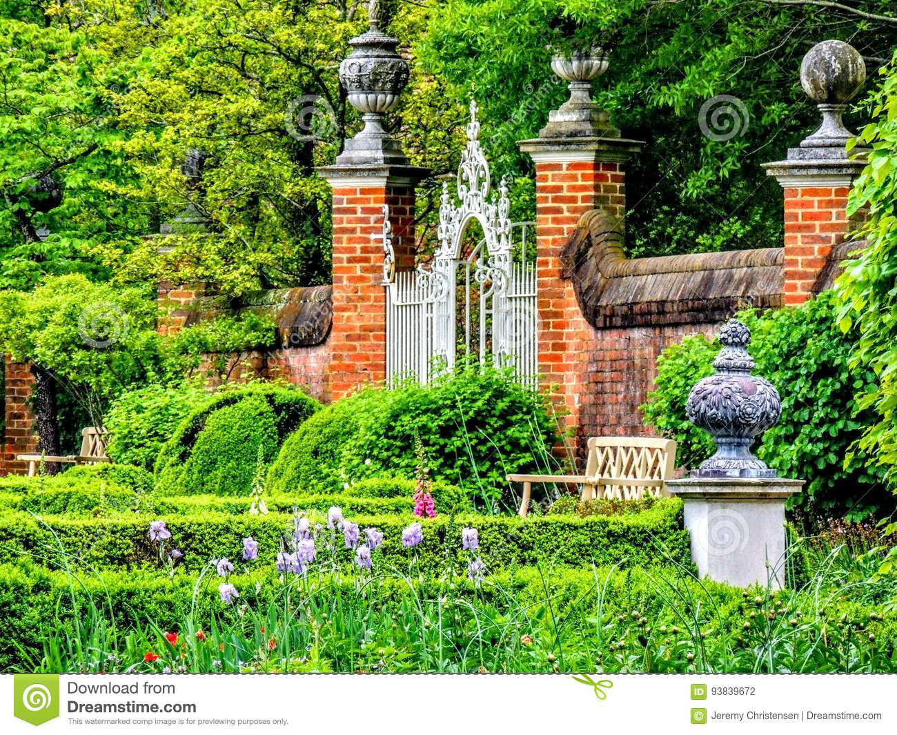 Brick Gate Piers At The Entrance To The Garden Virginia Stock Photo