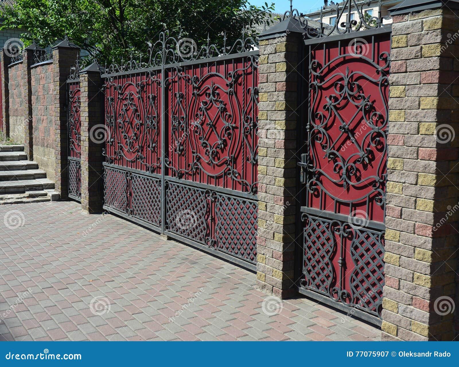Brick fences for fencing modern castles 51