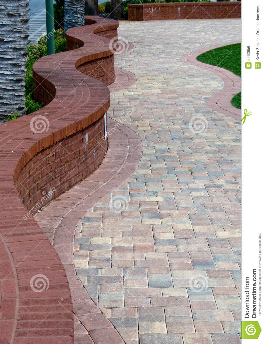 Brick pathway stock photo image of vertical snaking for Borde para jardin