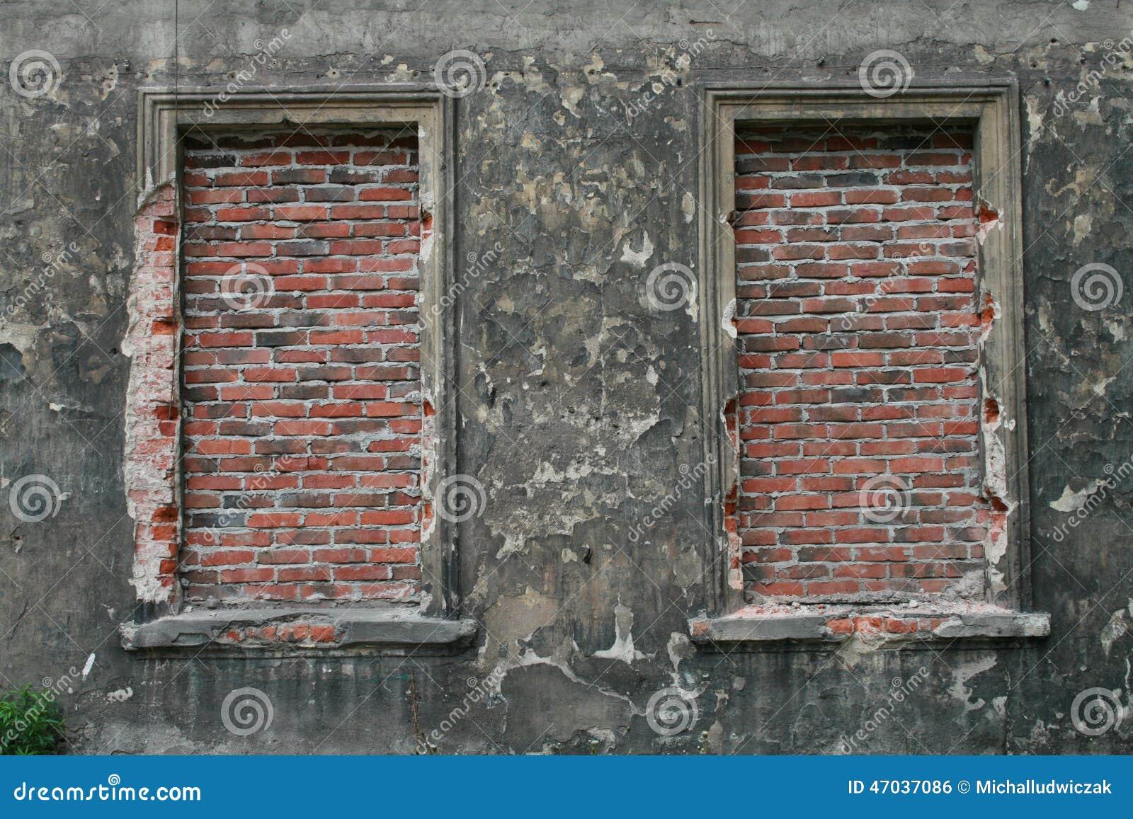 Bricked op vensters in de oude bouw