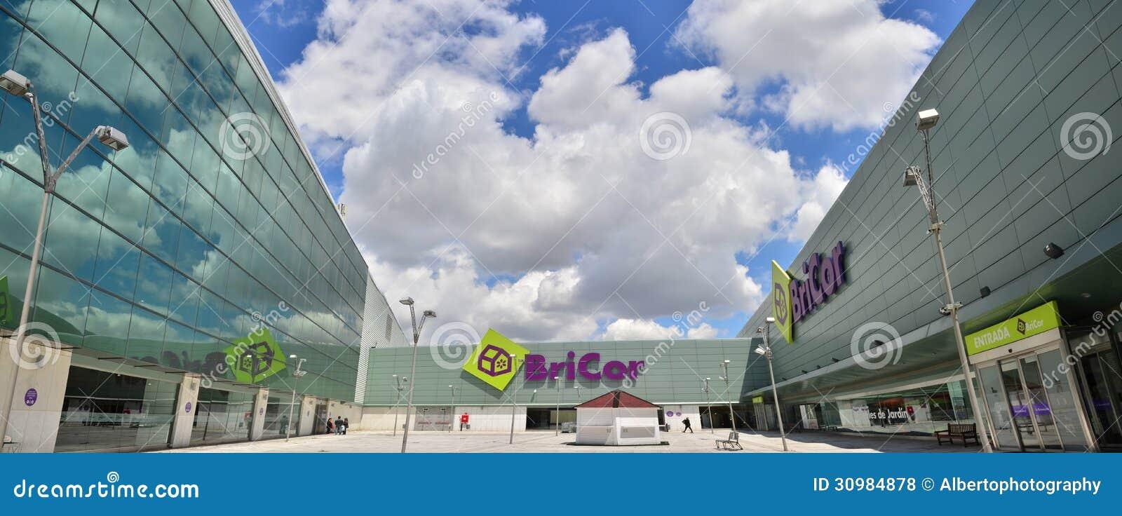 Bricor store editorial stock photo image 30984878 - Bricor madrid ...