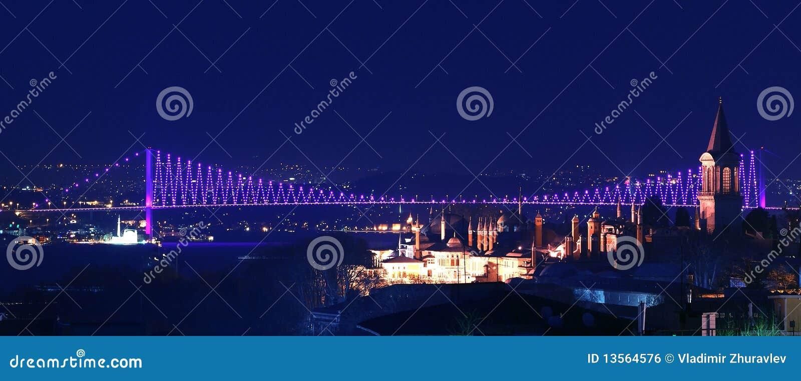 Bridżowa Istanbul noc nad th indyka widok