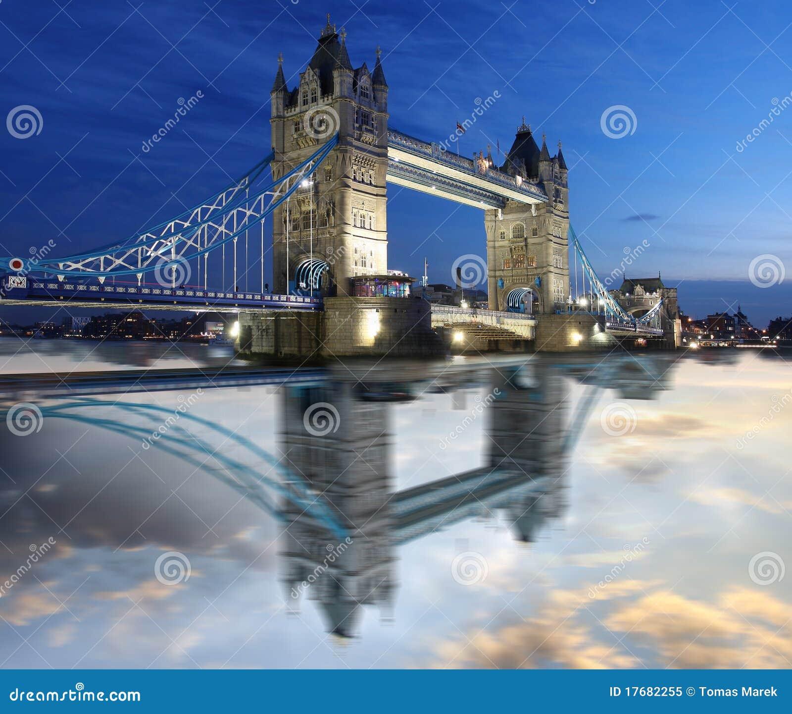 Bridżowy uk London basztowy