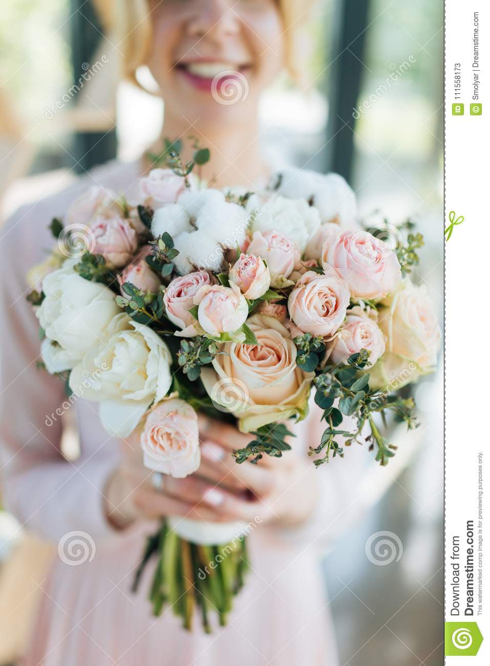 Bridal Bouquet From Pink Roses And White Tupils In Young Bride Hands ...