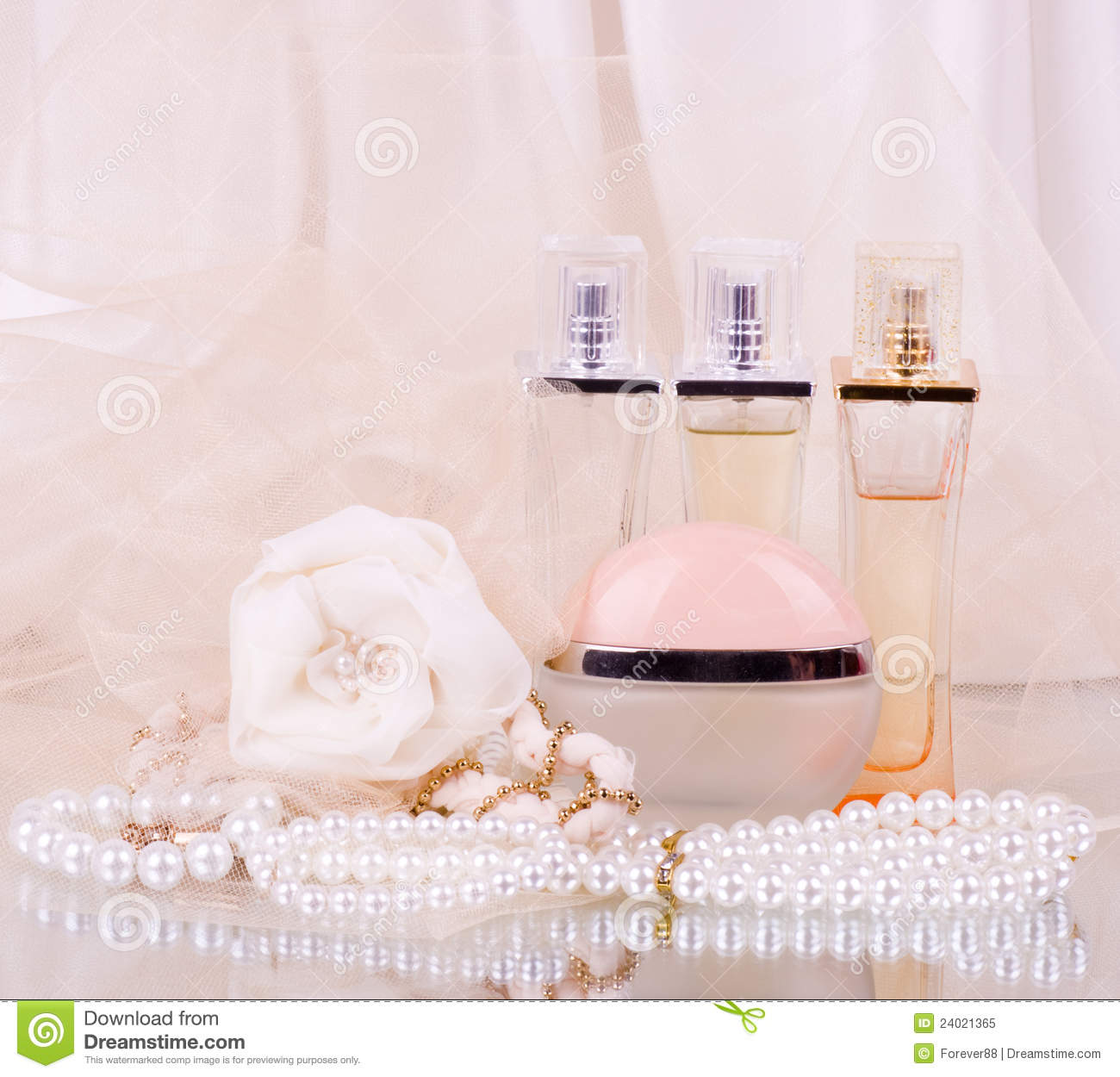 Bridal Perfume Bottles, White Rose And Pearls Bead Royalty ...