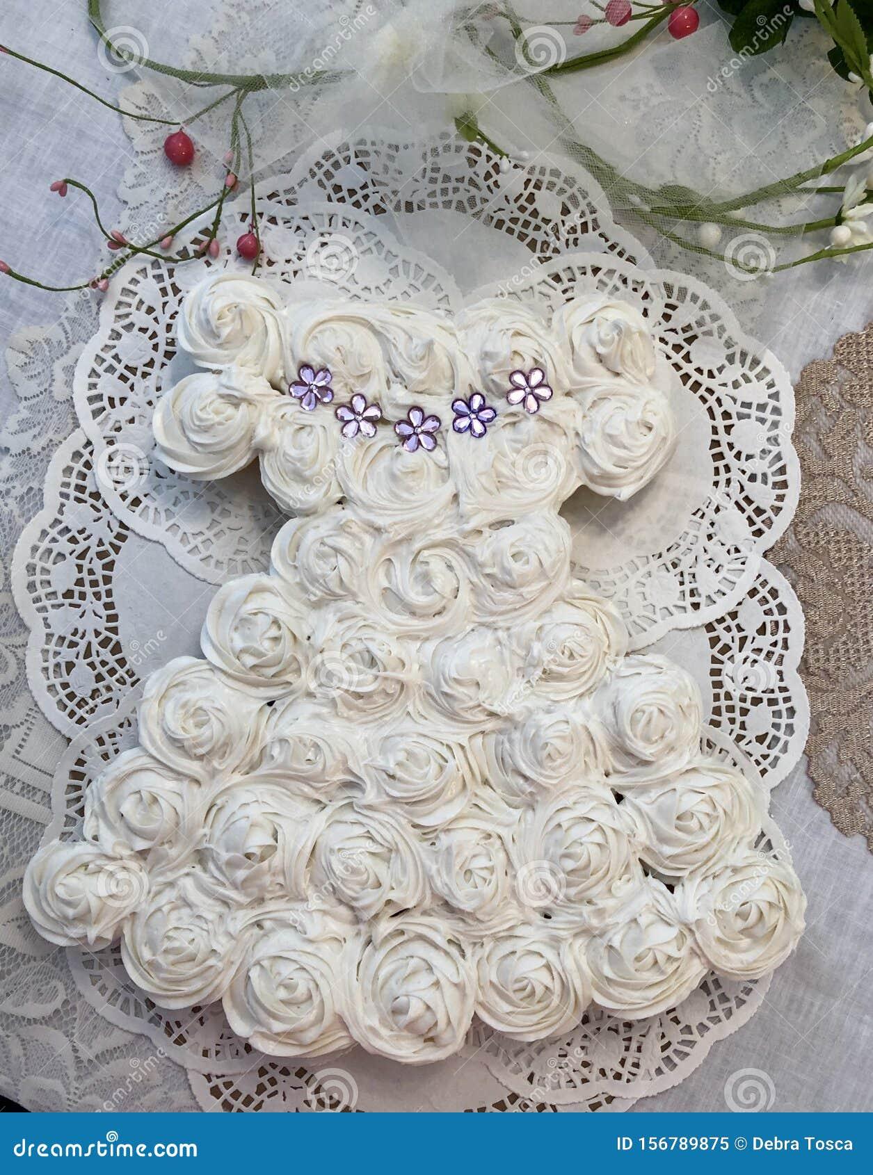 4 719 Dress Wedding Cake Photos Free Royalty Free Stock Photos From Dreamstime