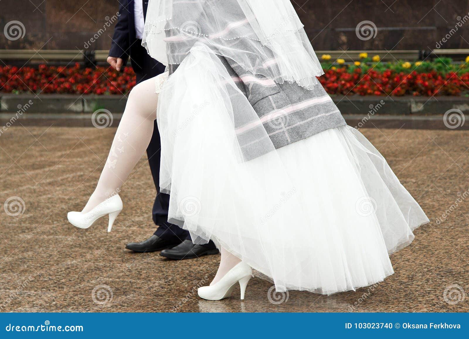 White stockings wedding dress | Porn foto)