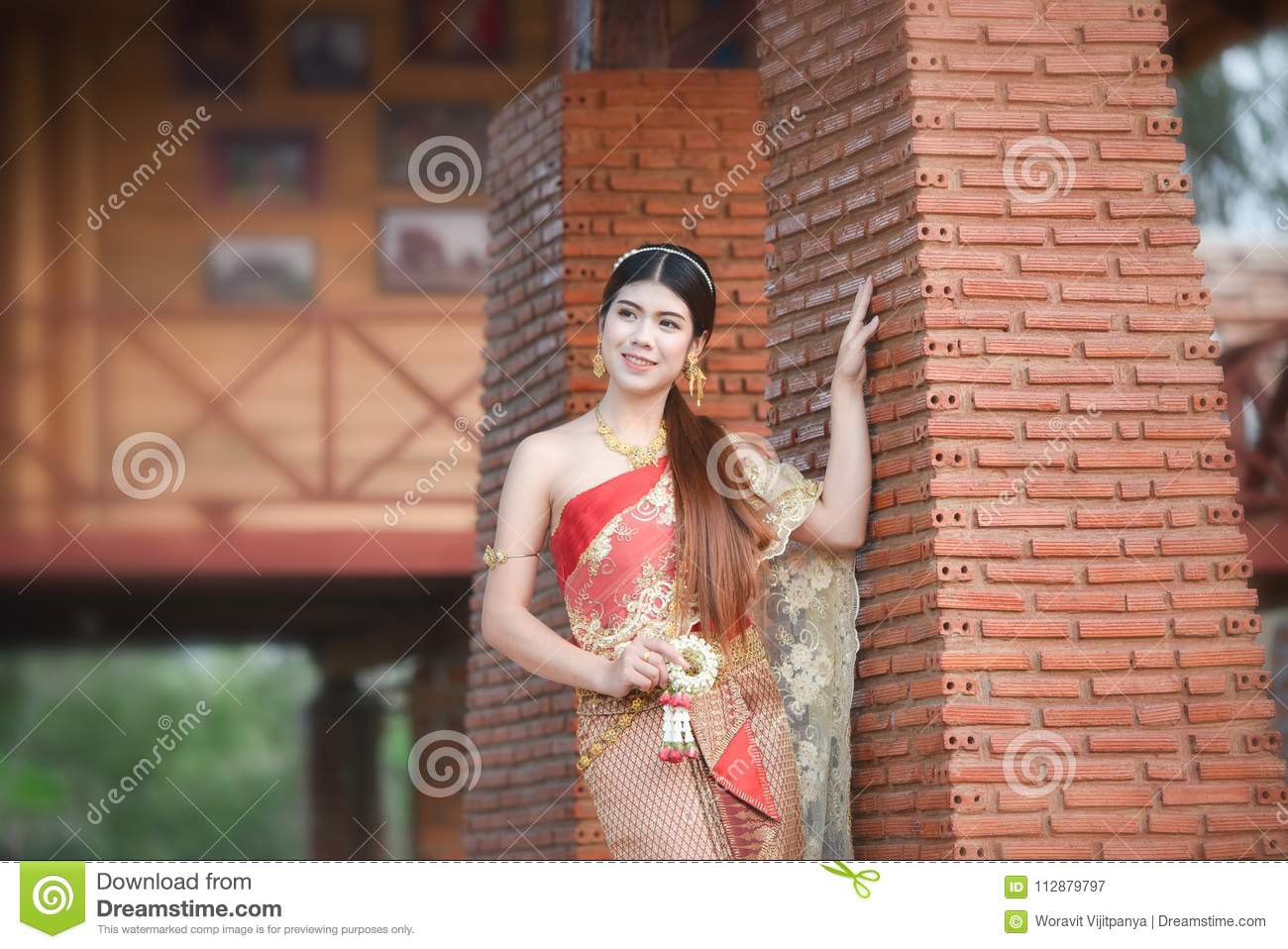 Bride Beauty Thai woman Beautiful Thai girl in traditional dress costume