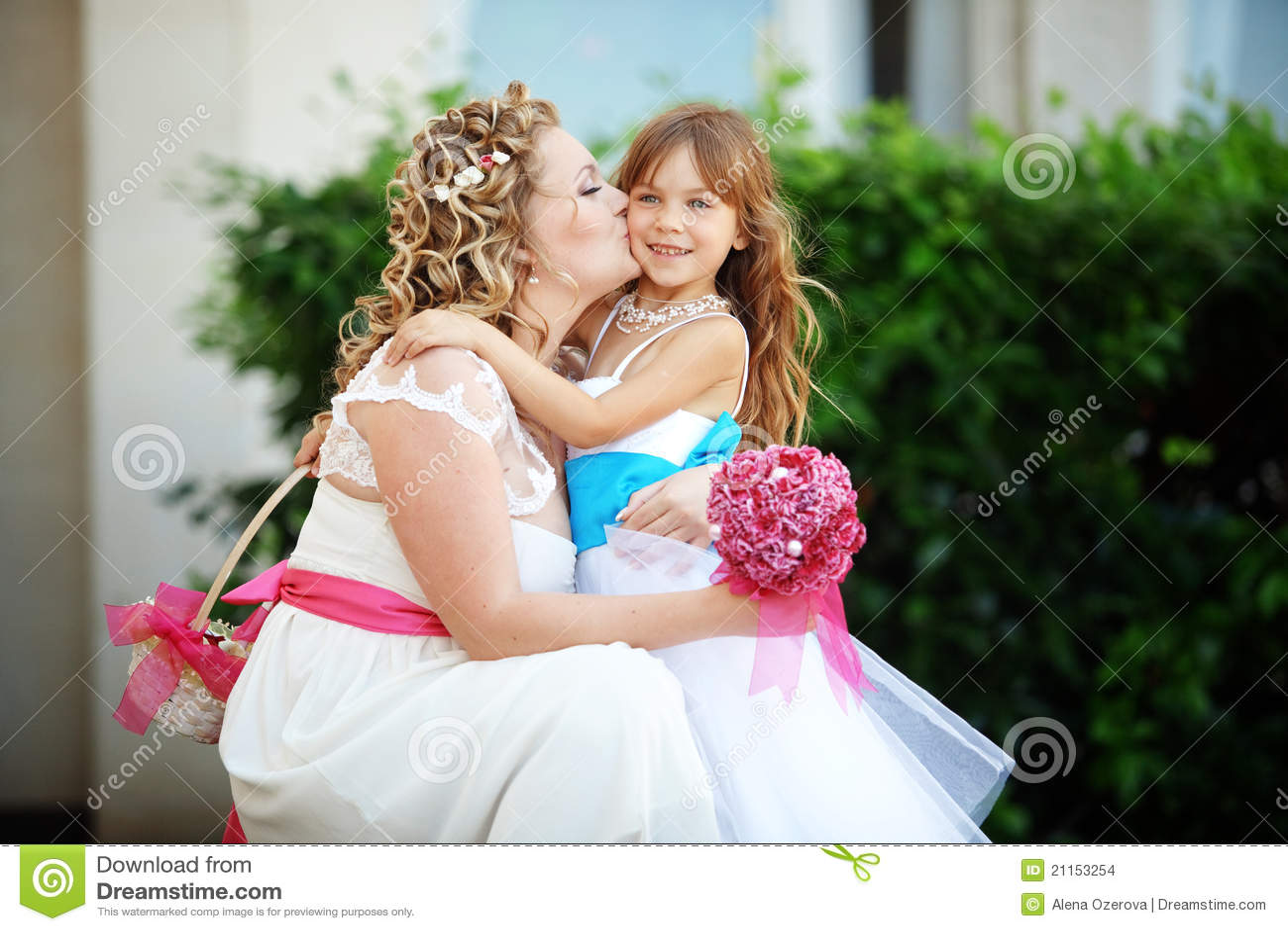 devki-na-svadbe