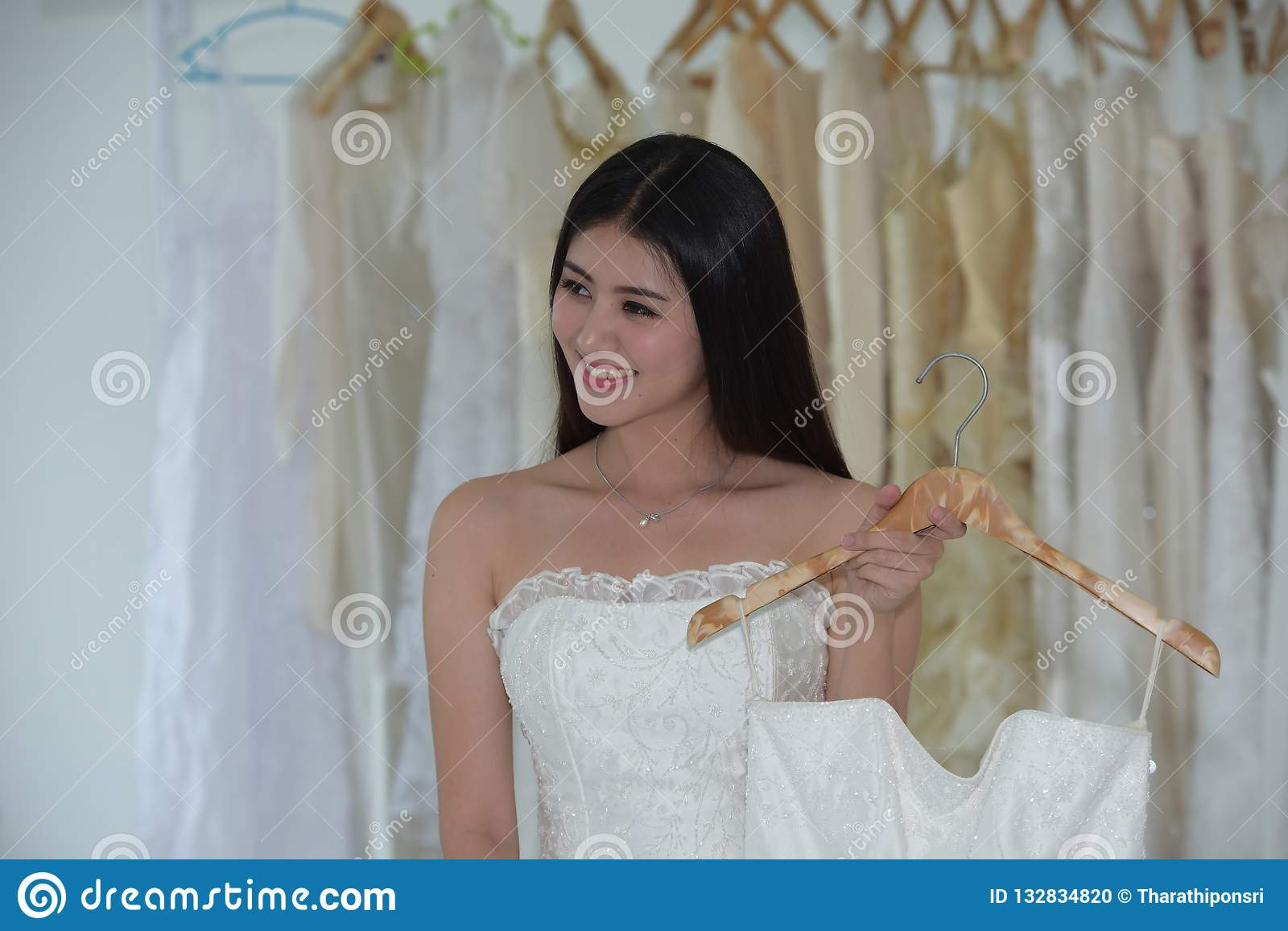 The Bride Came To Measure The Preparation Of The Bride Dress Stock Photo Image Of Clothing Ceremony 132834820,Beach Flowy Sleeveless Beach Flowy Wedding Dresses