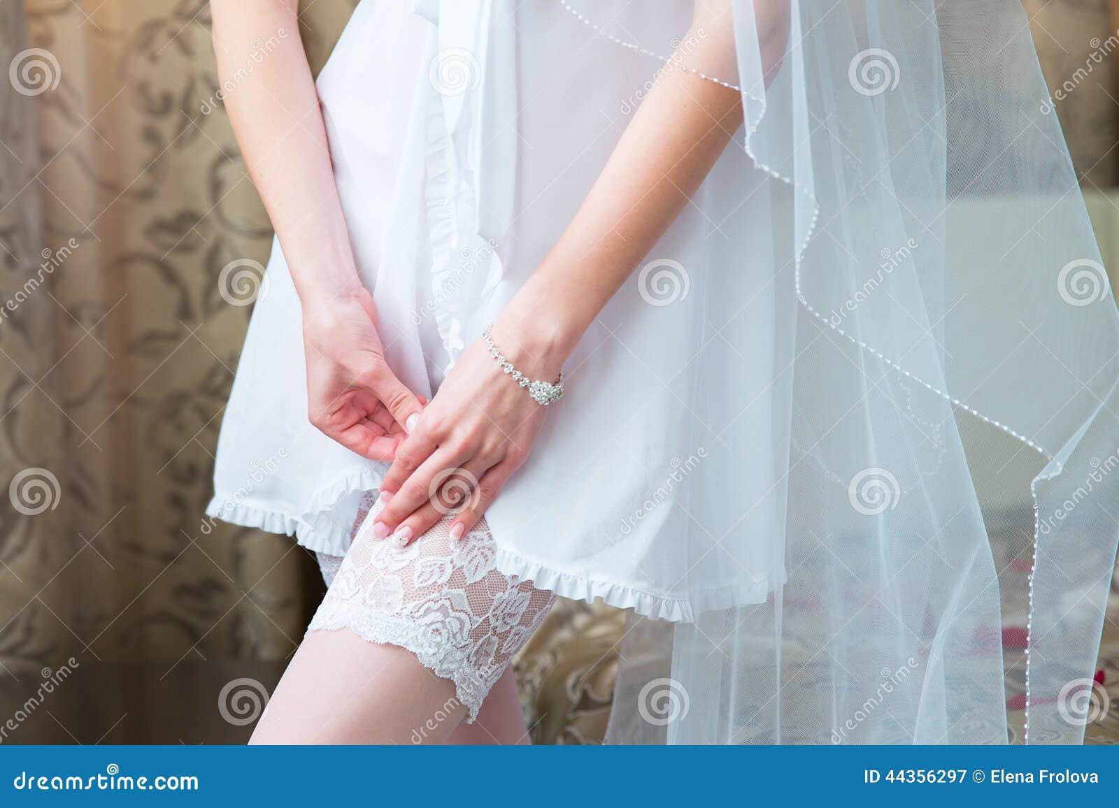 Фото невест нога на ногу, Снова невесты. Ножки (42 фото) » Триникси 25 фотография