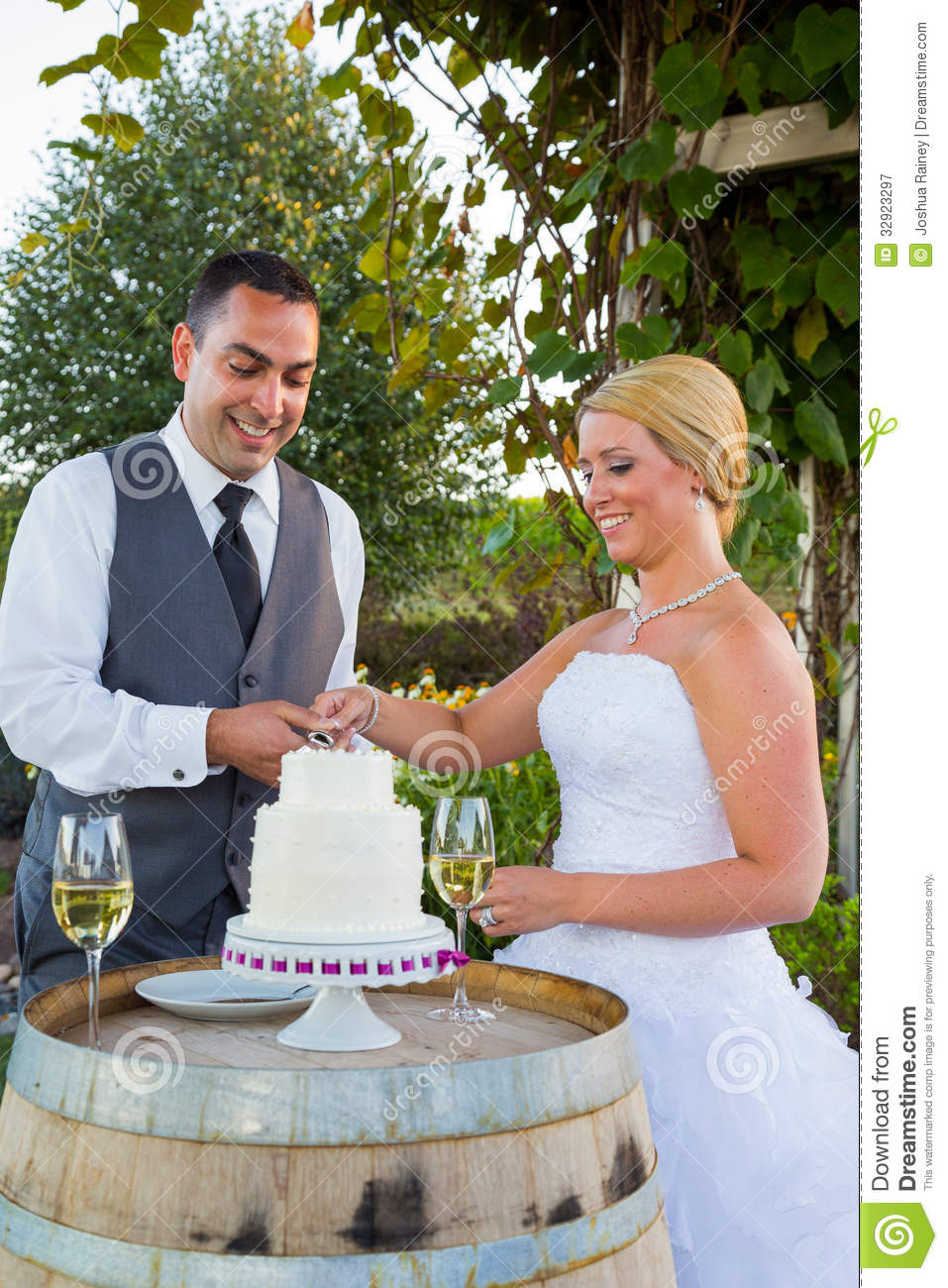 tradition behind cutting the wedding cake and groom cake cutting royalty free stock 21219