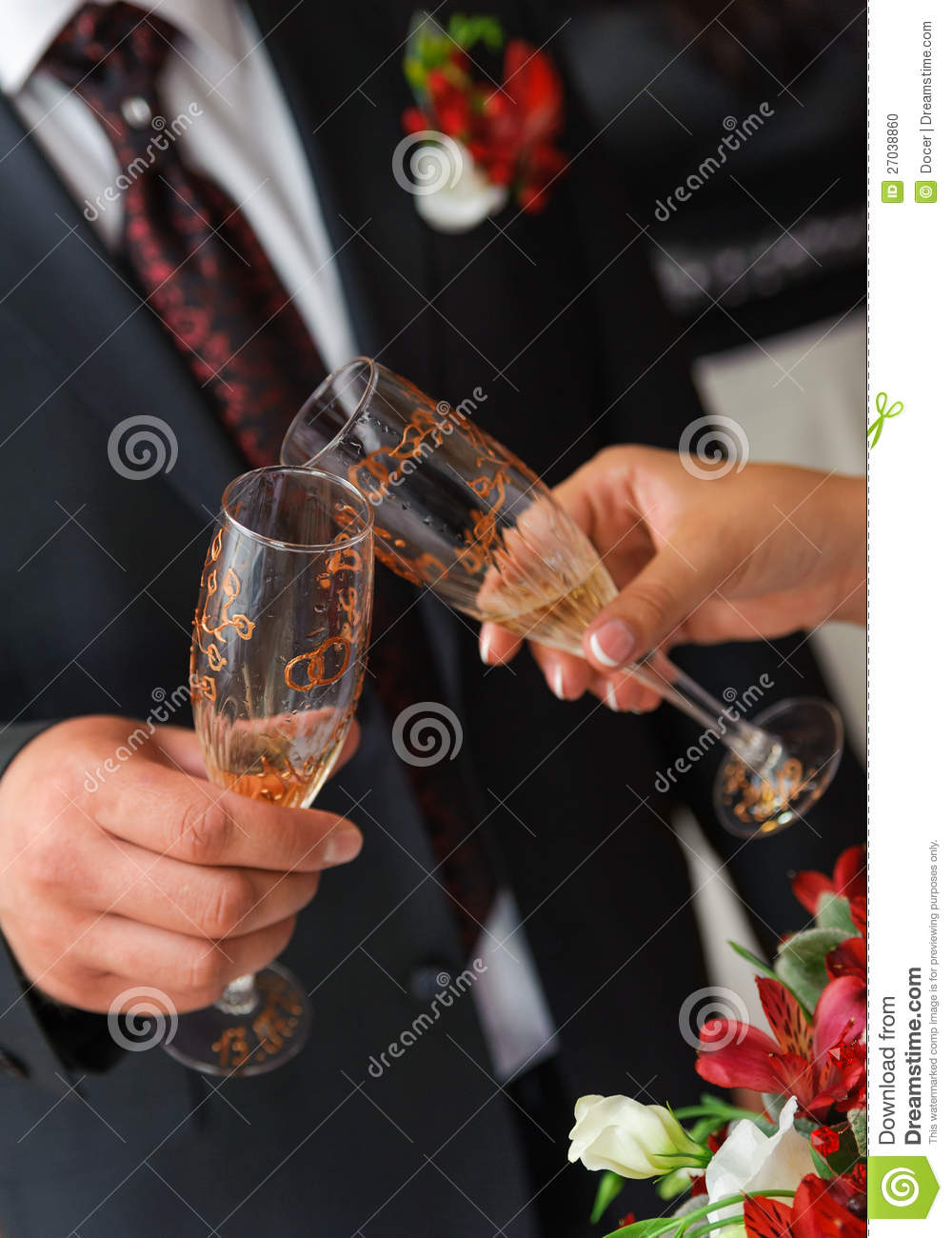 bride and groom a clink glasses wedding couple stock photo image 27038860. Black Bedroom Furniture Sets. Home Design Ideas