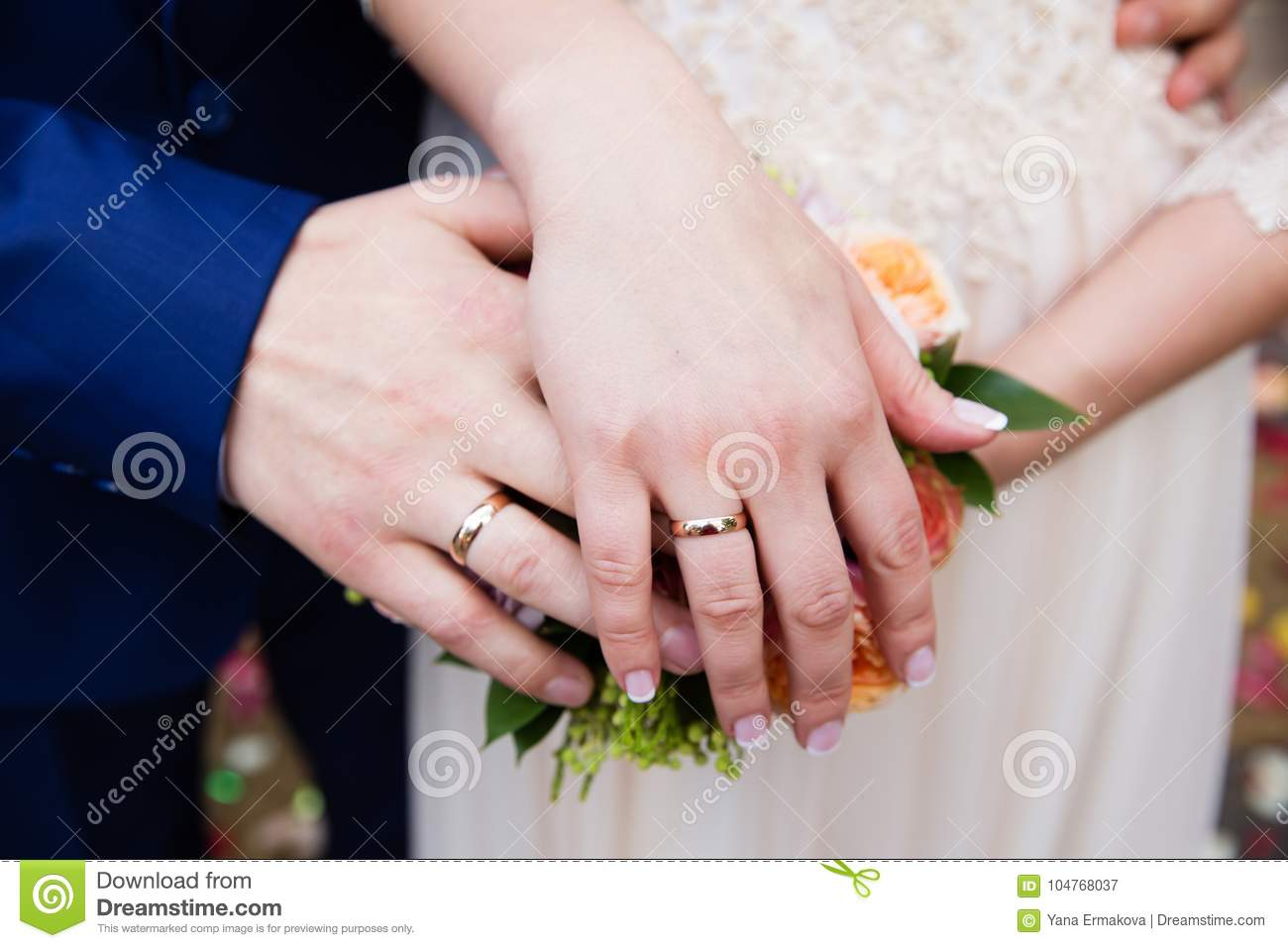 Bride And Groom Hands With Wedding Rings Stock Image - Image of ...