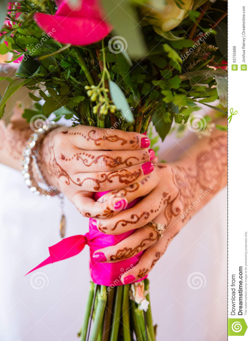 Bride Holding Bouquet Of Flowers Stock Photo Image Of Indian