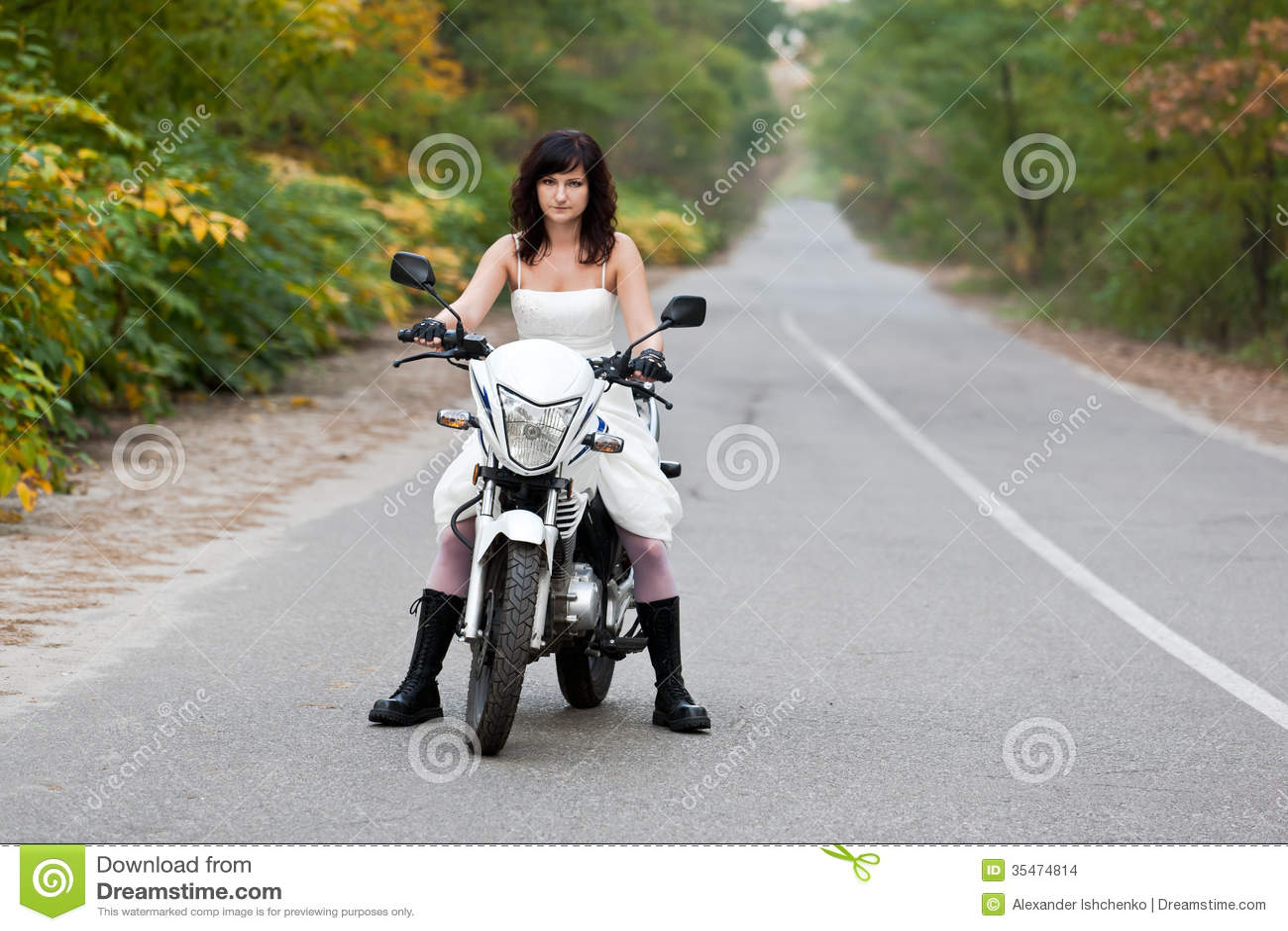 Wedding dresses: wedding dresses for motorcycles