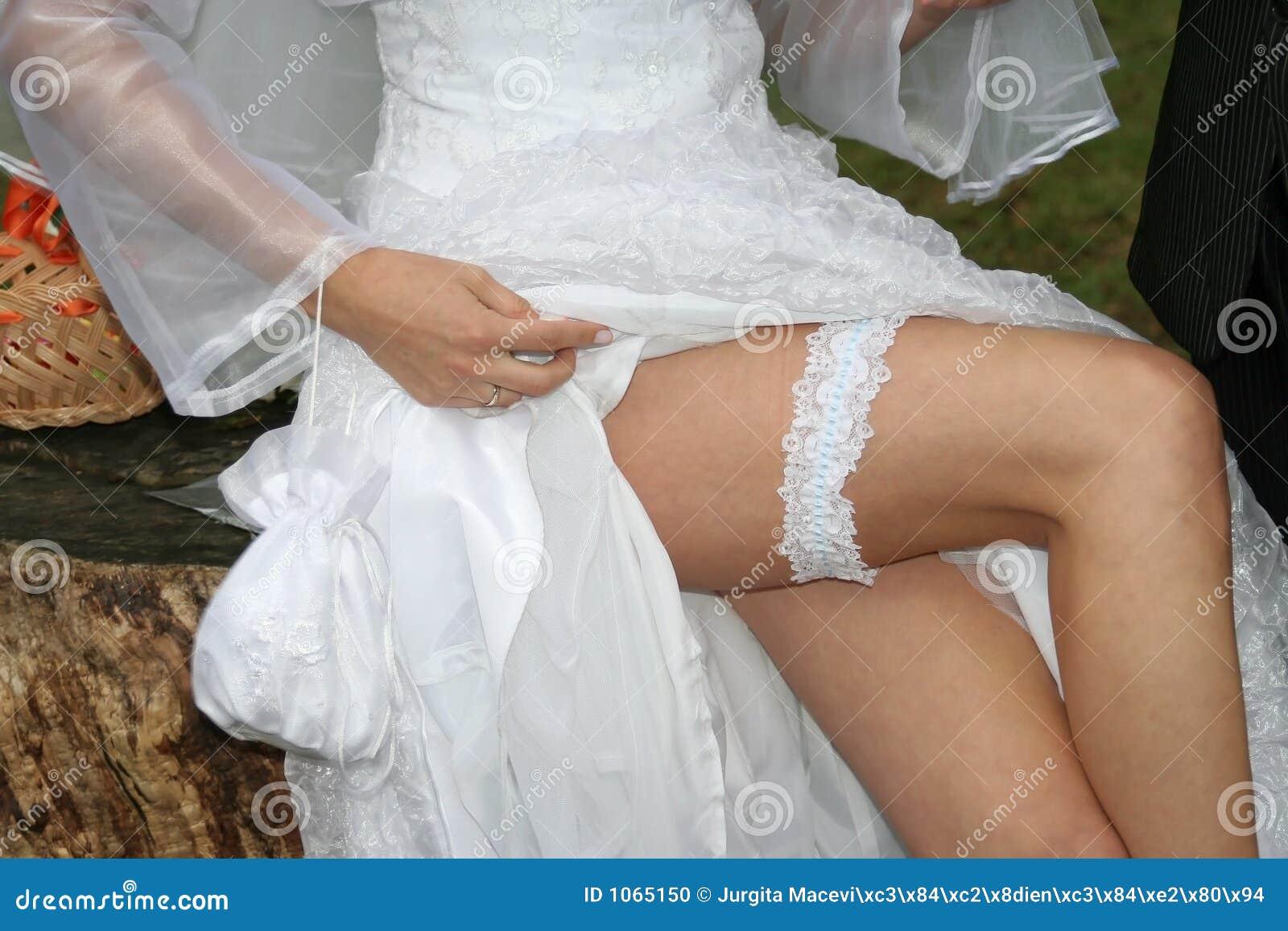 Фото невест нога на ногу, Снова невесты. Ножки (42 фото) » Триникси 28 фотография