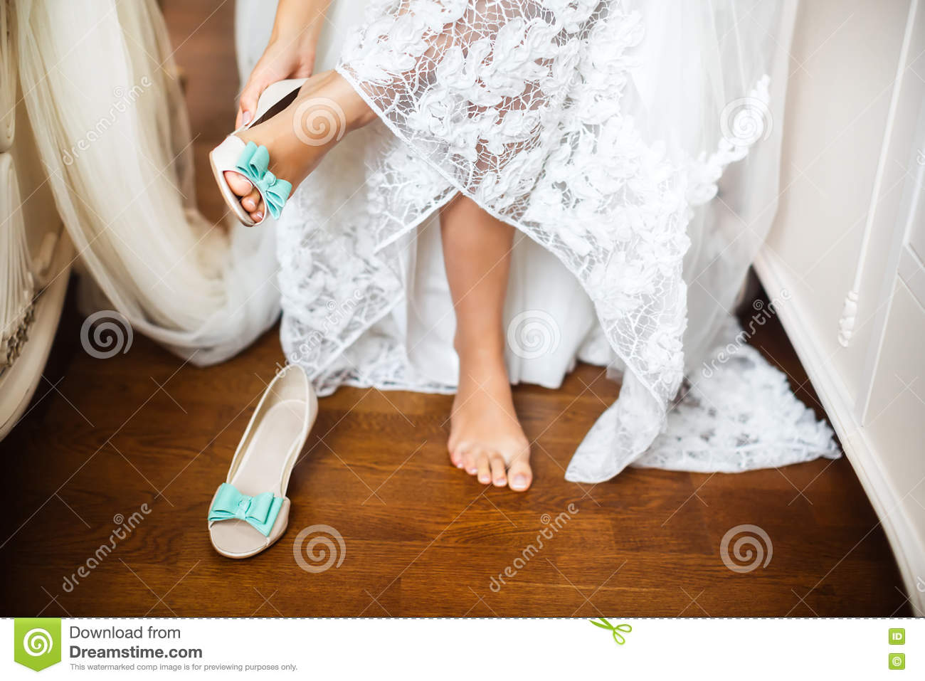 Bride\'s Shoes On Wedding Day Stock Image - Image of heels, mint ...