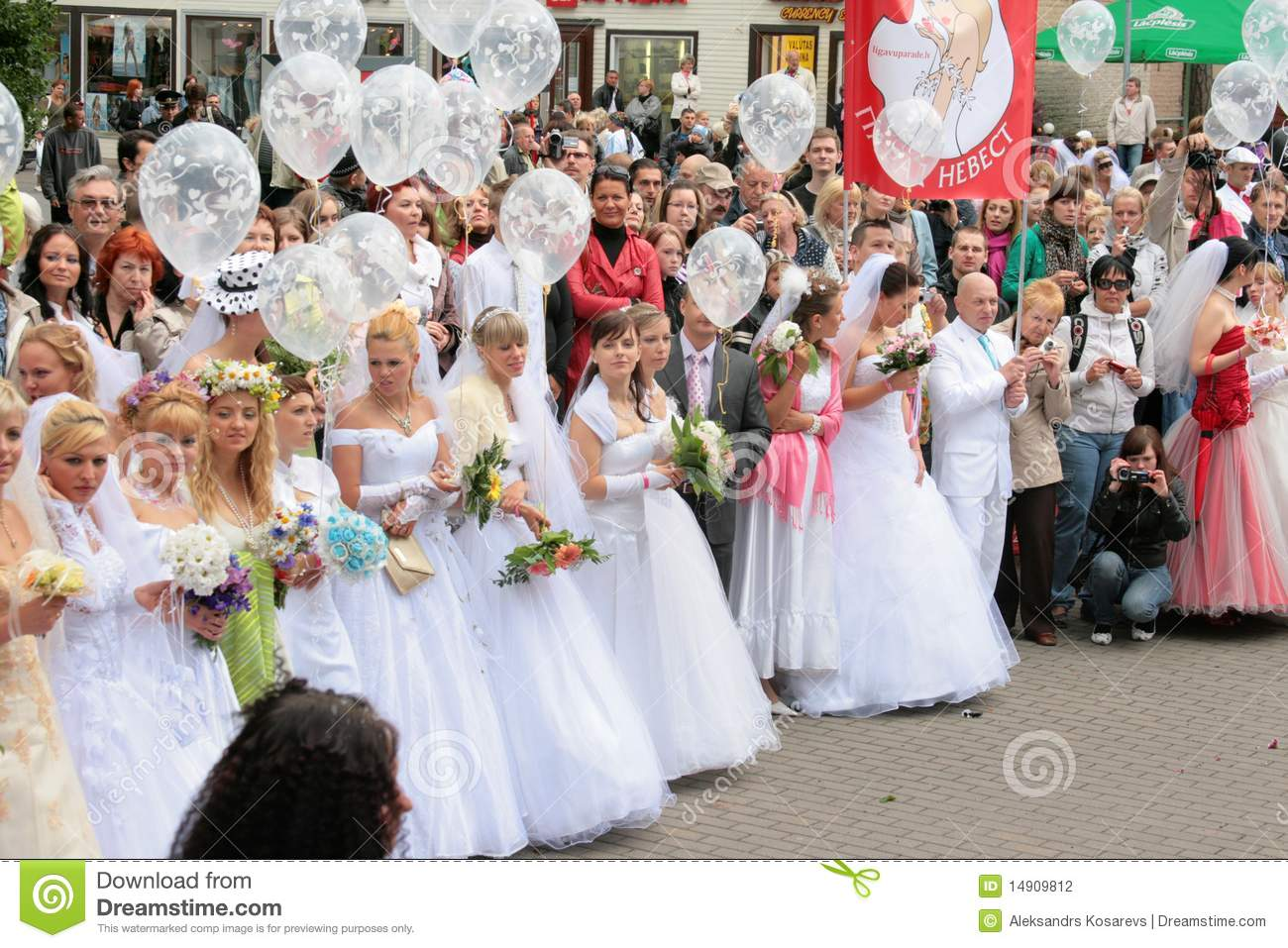 Brides On Parade By 72